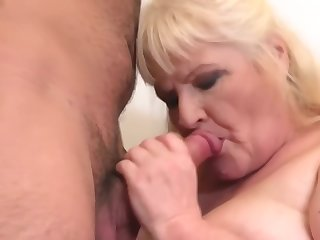 granny gets cuni with the addition of sex from hungry boy