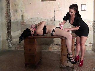 Lesbian babes enjoy having BDSM torture sesssion - Kyra Yorke