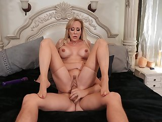 Sultry Brandi Love plant her MILF of the first water on a worthwhile lover