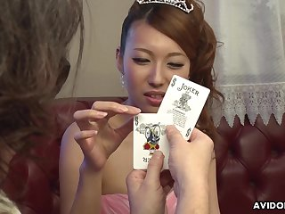 Dude shows her a handful card tricks and she is already dribble wet