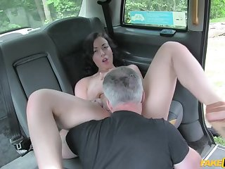 Driver Gets Fortuitous at one's fingertips Dogging Site